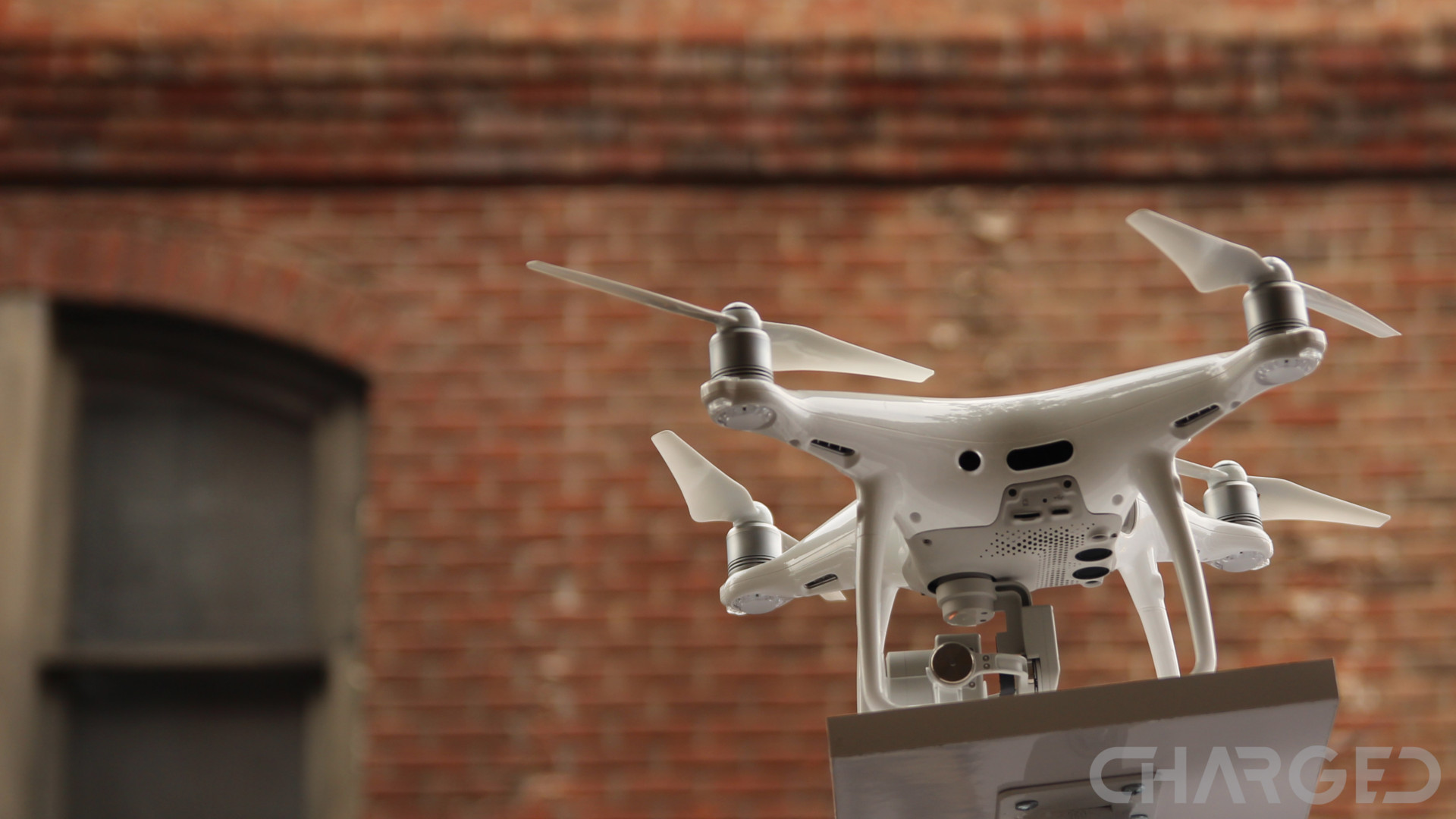 dji-phantom-4-ch-featured-sky
