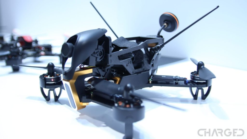 Best drone for beginners - crash and learn - Drone Rush