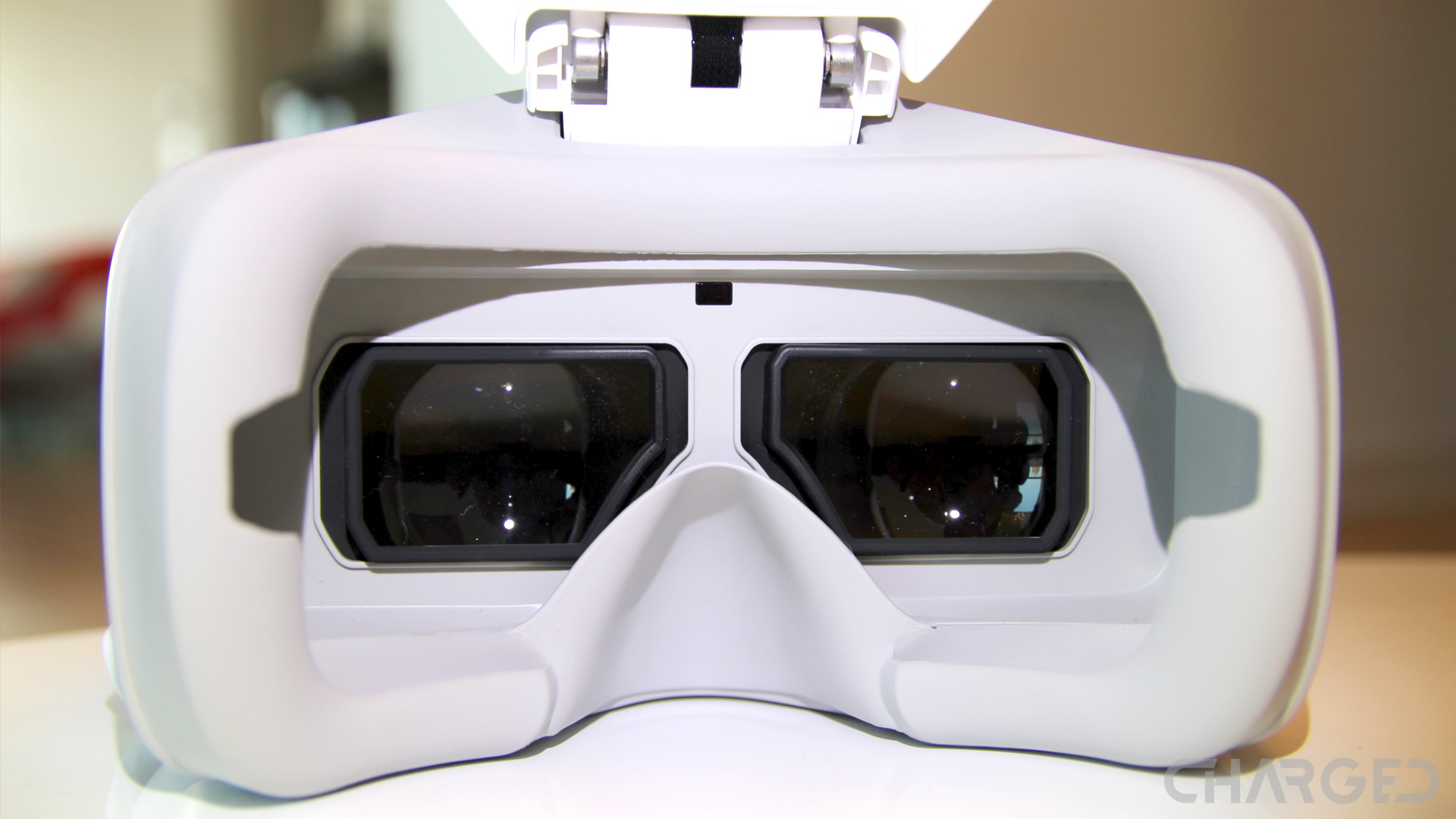 DJI Goggles and the Mavic Pro - a clever VR headset - Drone Rush