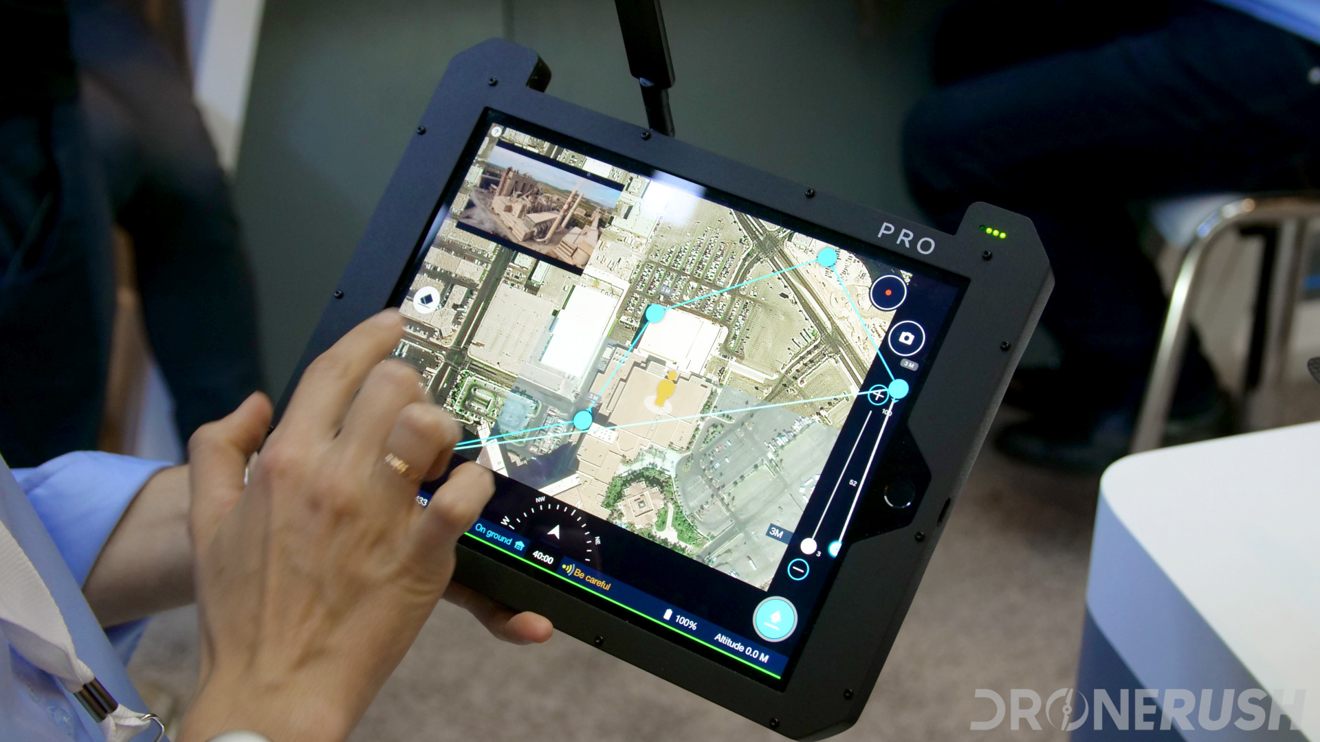 Do I need a smartphone to fly my drone? - How to fly, the