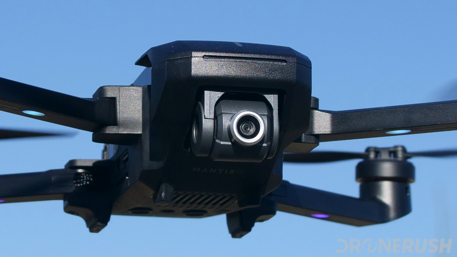 Yuneec Mantis Q flying front camera